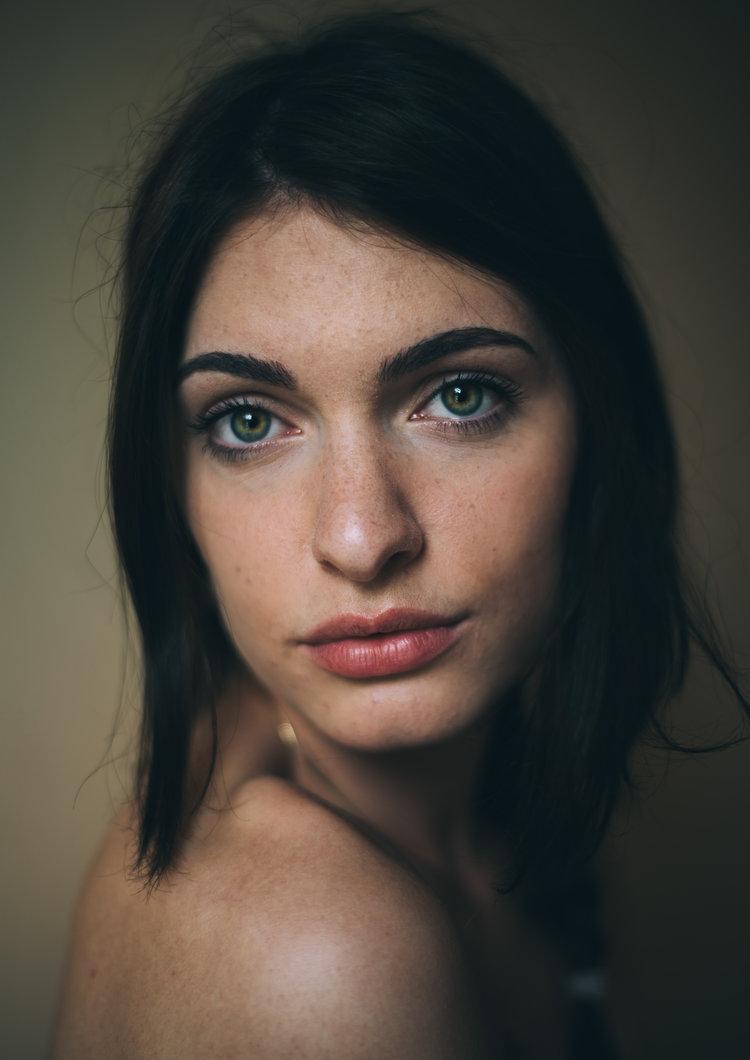 Number Violet - Portrait Photography